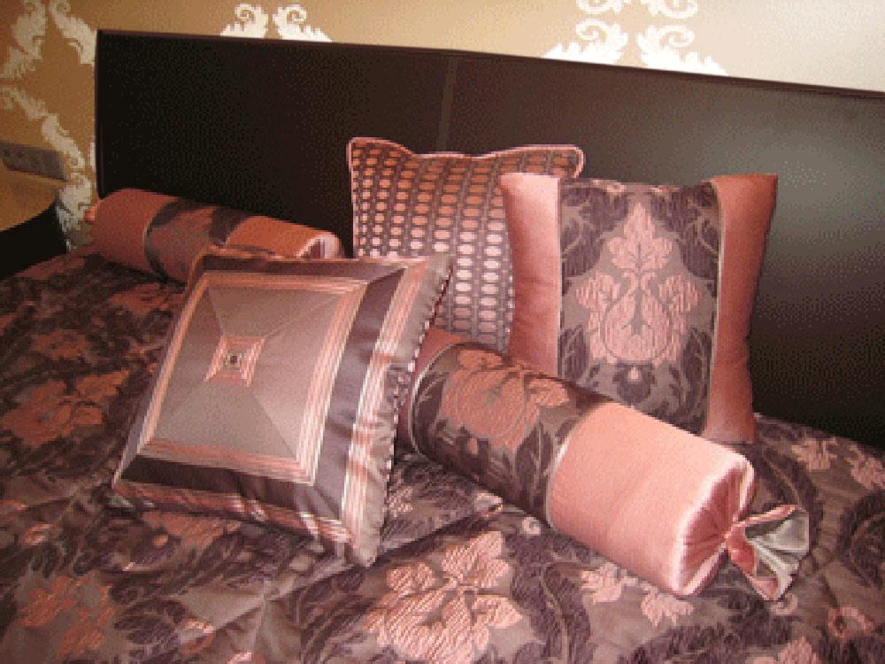 Подушка для спальни своими руками 84